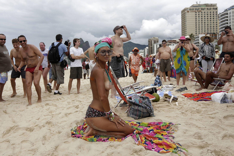 Rio Beach Pics Topless