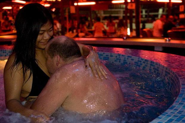 них фото как я отдыхал в тайланде с женой голый ваше