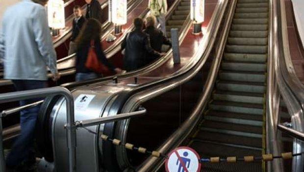 Bakıda metronun çıxışında vurulan xəbərdarlıq hamının diqqətini çəkdi – Foto