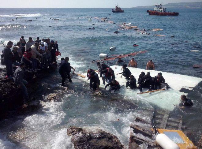 Gəmi batdı - Azı 70 ölü