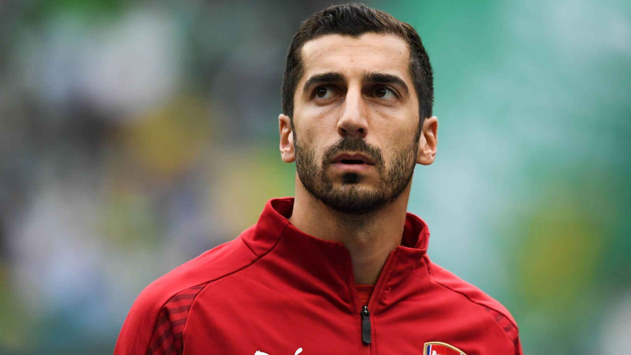 """""""Mkhitaryan Ronaldo deyil, Messi deyil, başımıza çıxarıblar"""", - Millət Vəkili"""