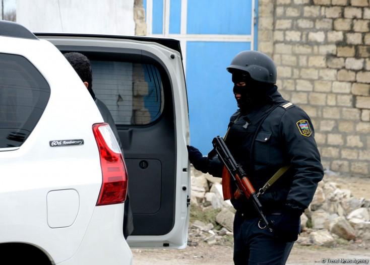 Xırdalanda çay evinin qarşısında silahlı atışma - Təfərrüatlar