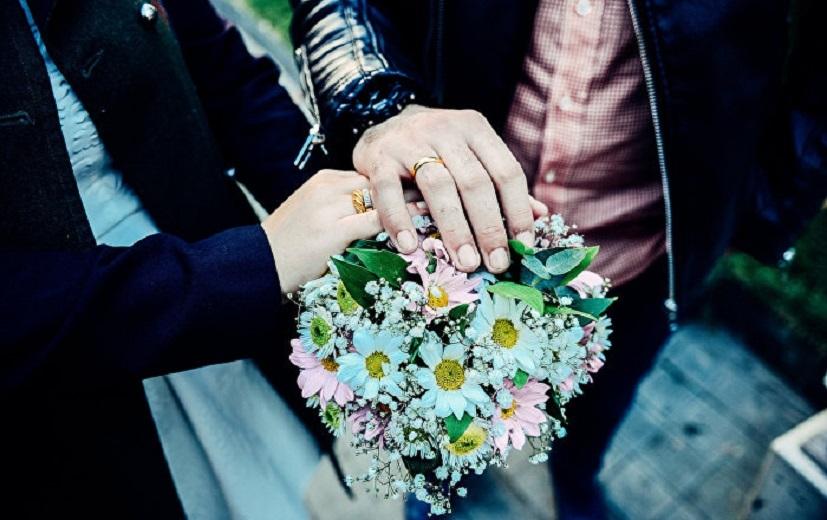 Azərbaycalı qız erməni oğlan Armenlə evləndi