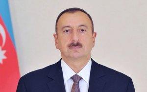 Ильхам Алиев наградил спортсменов-победителей