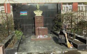 NO COMMENT: Забытый памятник шехида