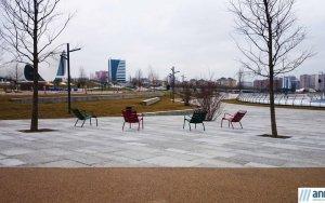 Парк отдыха перед Бакинским конгресс-центром - ФОТО