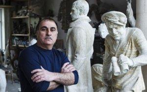 Порошенко наградил азербайджанского скульптора