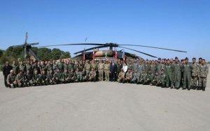 Министр обороны осмотрел боевую авиацию