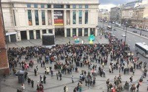 В России эвакуировали почти тысячу объектов