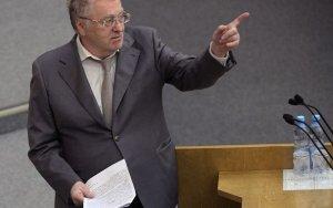 Жириновский предложил штрафовать депутатов за отказ от прививок