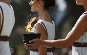 В Греции зажгли огонь зимней Олимпиады - 2018