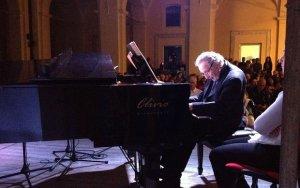 Умер известный итальянский композитор