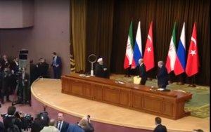 Putin Ərdoğanın oturduğu stolu yerə atdı - VİDEO