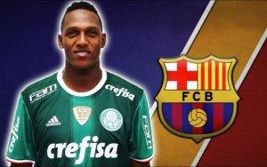«Барселона» подписала контракт с защитником «Палмейраса»
