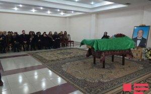Проходит церемония прощания с Чингизом Садыховым