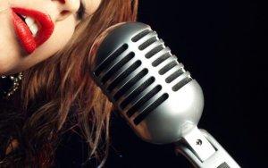 Азербайджанскую певицу обвиняют в торговле людьми