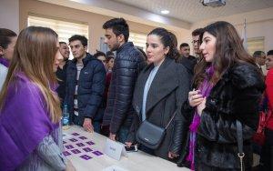 Компания Azercell оказала поддержку студентам Западно-Каспийского Университета