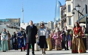 Ильхам Алиев с супругой на празднестве по случаю Новруз