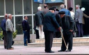 İşləyən pensiyaçılarla bağlı qanuna dəyişiklik təklif edilir