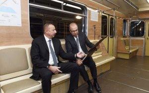 Ильхам Алиев в бакинском метро