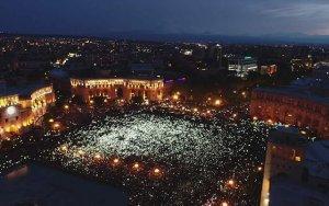 США призвали не применять силу в Ереване