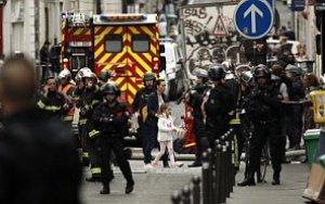 СРОЧНО: в центре Парижа неизвестный захватил заложников