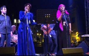 Азербайджанка спела с армянами «Сары гялин»