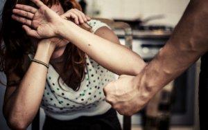 Удар кулаком убил женщину в Баку