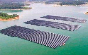В Азербайджане будет реализован пилотный проект плавучих солнечных панелей
