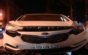 В Баку турист на арендованном автомобиле попал в ДТП - ВИДЕО