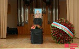 Хайям Мирзазаде похоронен