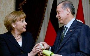 Меркель: Сильная турецкая экономика в наших интересах