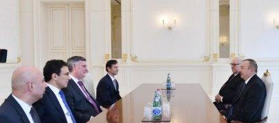 President Ilham Aliyev receives Boeing delegation