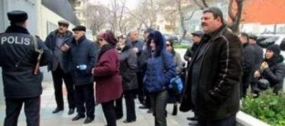 В Баку акция протеста перед посольством США