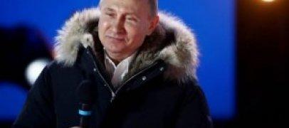 Vladimir Putin seçkilərdə qalib gəldiyini etiraf edi