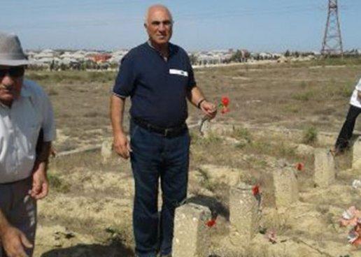 """""""26-lar""""ın məzarını ziyarət edənlər - FOTO"""