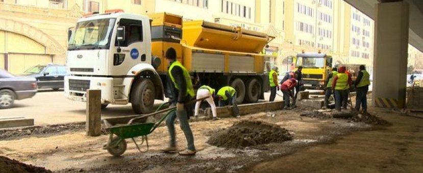 На проспекте Зии Буньятова ведутся ремонтные работы – ВИДЕО